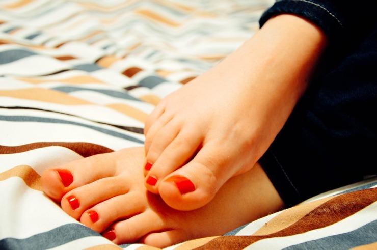 feet-931921_960_720